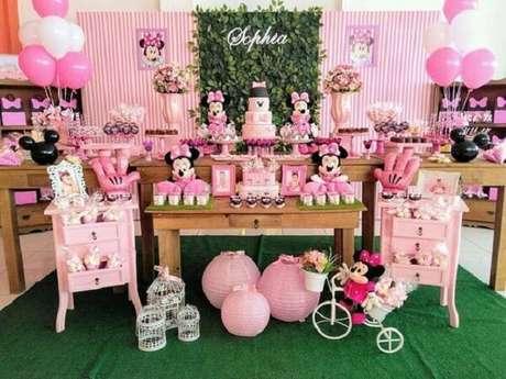 5 – Decoração de mesa para festa da minnie rosa. Fonte: Pinterest