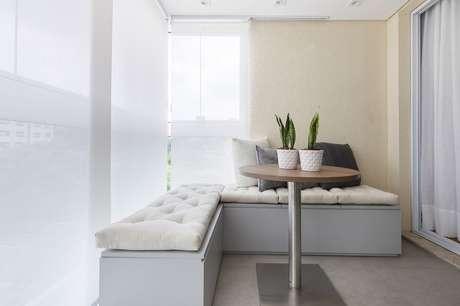 6. É importante observar quais as características do espaço e quais os materiais dos móveis para varanda – Foto: SP Estudio