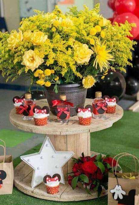 70 – Aposte na decoração rústica para festa da Minnie. Fonte: Decor Fácil