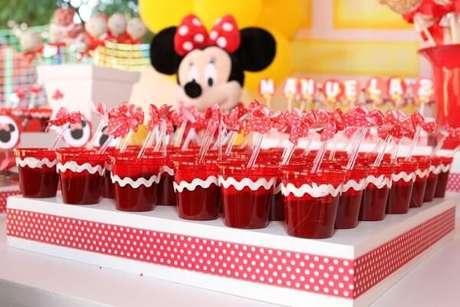 65 – Docinhos com a cor do tema da festa da minnie vermelha. Fonte: Planet Balloon
