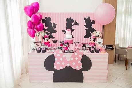 100 – Festa da Minnie rosa para poucos convidados. Fonte: Elo7