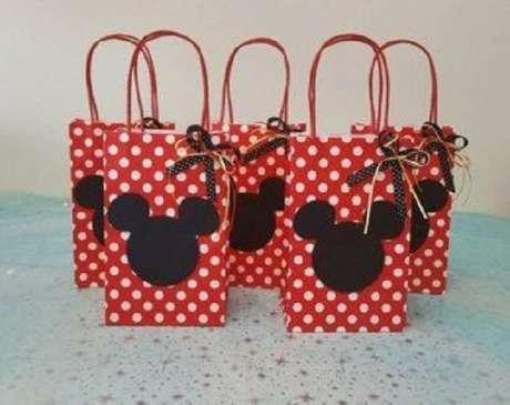 24 – Lembrancinhas para festa da Minnie vermelha. Fonte: Paris Disneyland