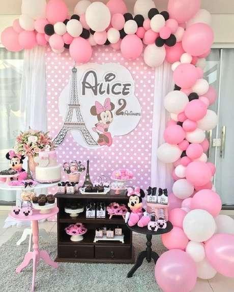 30 – Decoração para festa intimista com o tema da Minnie. Fonte: Pinterest