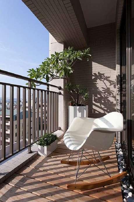 53. Lindo e delicado modelo de poltrona para varanda pequena, os móveis para varanda mais lindos – Foto: House Design
