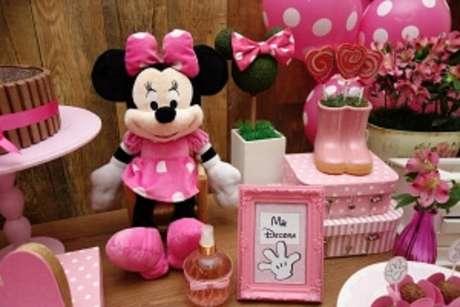 75 – Itens de decoração para festa da Minnie. Fonte: Mãe Decora