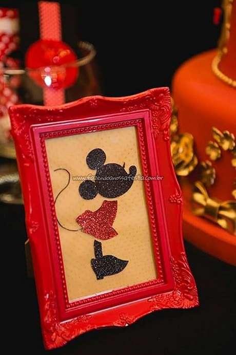 71 – Quadros decorativos que fazem a diferença na festa da Minnie. Fonte: Fazendo a Nossa Festa
