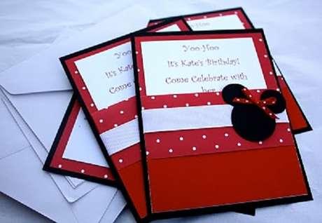 77 – Use a criatividade e confeccione os convite da festa. Fonte: Pinterest