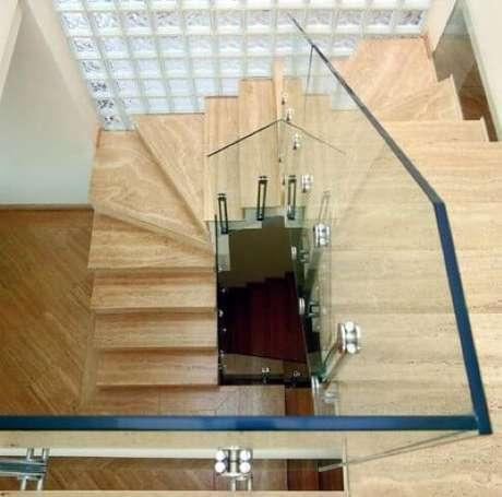 39. Mais uma foto do projeto de Brunete Fraccaroli que usa tijolo de vidro.