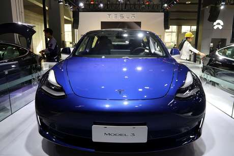 Modelo de carro da Tesla feito na China. 21/11/2019. REUTERS/Yilei Sun/File Photo