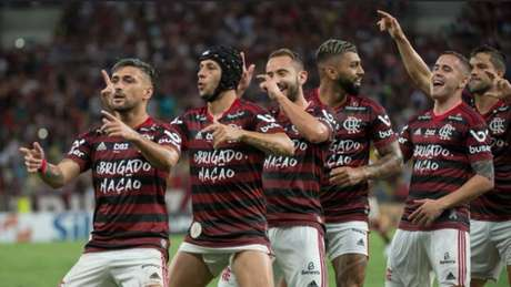 Flamengo Goleia O Avaí No último Jogo No Maracanã Antes Do