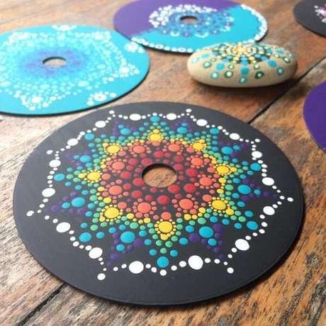 39. Peças criativas formadas por meio do artesanato com CD. Fonte: Pinterest