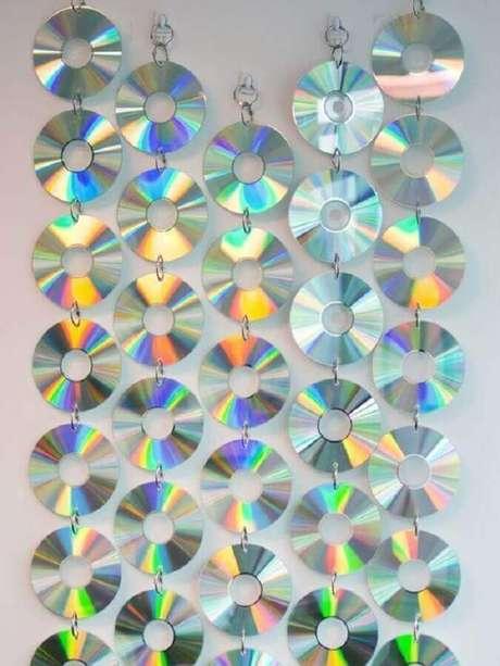 21. Crie uma lindo cortina por meio do artesanato com CD. Fonte: Pinterest