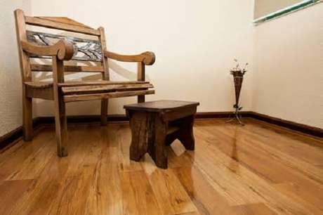 47. Combine os móveis com o piso flutuante. Fonte: Vintage Floor