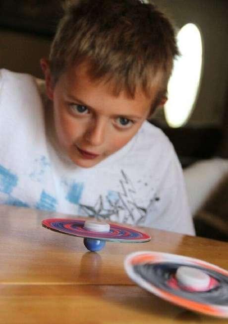 1. Crie brinquedos criativos por meio do artesanato com CD. Fonte: Pinterest