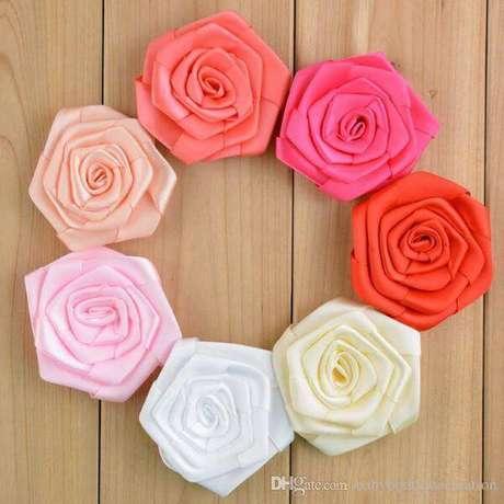 15. Flor de cetim rococó – Via: DHGate
