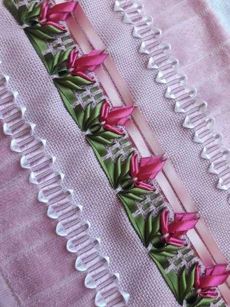 21. Você pode fazer o vagonite para ter uma linda flor de fita – Via: Pinterest
