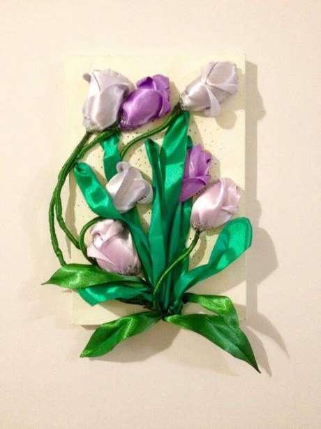 34. Flor de fita no quadro – Via: Elo7