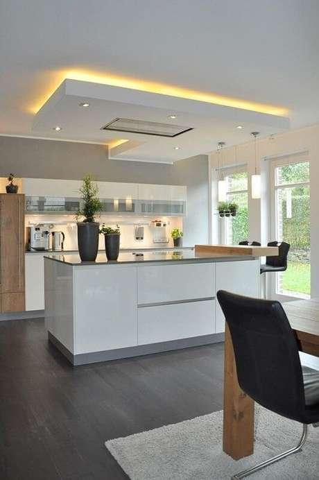 44. Rebaixamento de gesso para cozinha moderna. Via: Decore Concepy