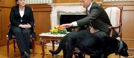 Angela Merkel e Vladimir Putin em Sochi: turbulências sob superfície calma?