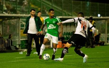 No primeiro turno, o Vasco venceu por 2 a 1 na Arena Condá (Foto: Dinho Zanotto/MyPhoto Press)