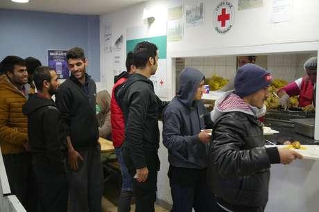 O abrigo Bira oferece refeições e acomodação, mas nem todos conseguem vagas