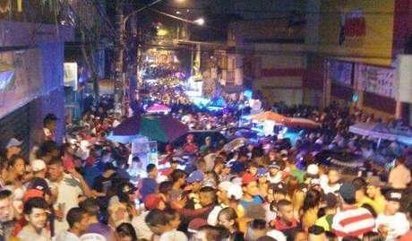 Baile funk vira 'fluxo' na rua, atrai milhares e movimenta economia na periferia