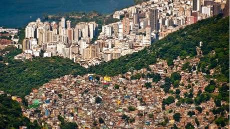 """'É bastante claro que as comunidades mais vulneráveis, mais pobres, estão mais expostas (aos impactos de desastres)"""", alerta o diretor do escritório da ONU que produz o relatório"""