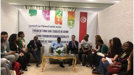 O professor carioca Caio César dos Santos participou do Fórum Internacional de Igualdade de Gênero na Tunísia, em abril