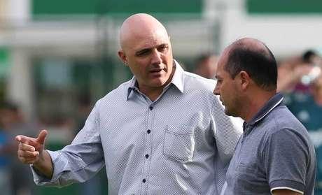 Galiotte e Cícero trabalham em busca de um novo diretor e um novo treinador (Foto: Cesar Greco)