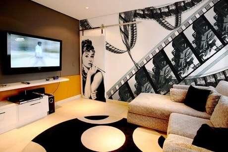 73. Decore com estilo o cinema em casa. Fonte: Pinterest