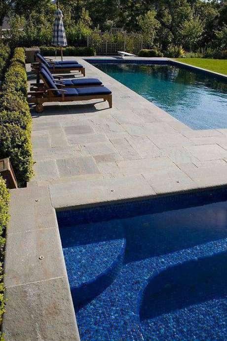 22. A segurança é parte importante da pedra para piscina. Foto: Porch