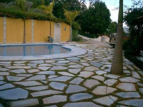 3. A pedra para piscina São Tomé chama a atenção pela resistência. Foto: Casa e Construção