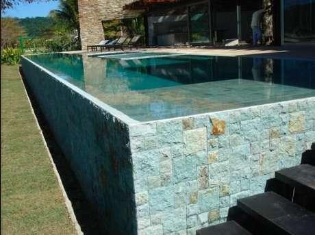 4. A pedra para piscina vulcânica é simbólica. Foto: Mercado Livre