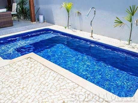 34. Toda pedra para piscina deve ser antiderrapante. Foto: Sodramar
