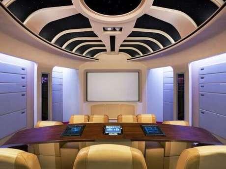 80. Decoração peculiar para a sala de cinema. Fonte: Pinterest