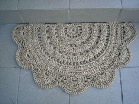 42. Tapete de crochê para cozinha de meio círculo com borda de babado. Foto de Pinterest