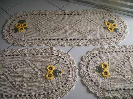 6. O jogo de tapete de crochê para cozinha dá unidade à decoração. Foto de Elo7