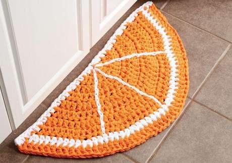 28. Tapete de crochê para cozinha em formato de laranja. Foto de Mary Maxim