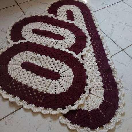101. Sempre vale a pena investir em um bom tapete de crochê para cozinha. Foto: Amo Fazer Crochê