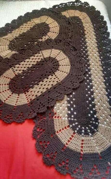 70. Um bom jogo de tapete de crochê para cozinha faz toda a diferença. Foto: Pinterest