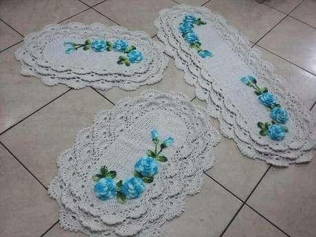 80. Sempre vale a pena comprar um tapete de crochê para cozinha. Foto: Pinterest