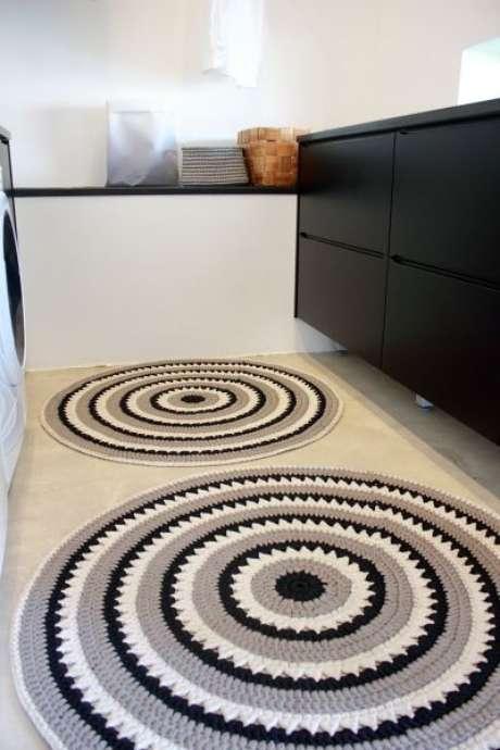 82. O tapete de crochê para cozinha redondo também é muito interessante. Foto: Pinterest