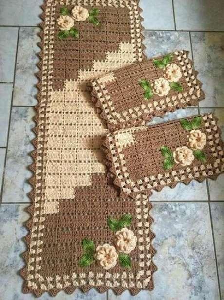 90. O marrom é ótimo para um tapete de crochê para cozinha. Foto: Top Buzz