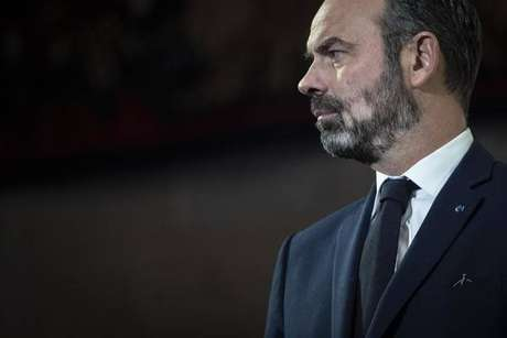 França mantém reforma da Previdência, mas faz concessões