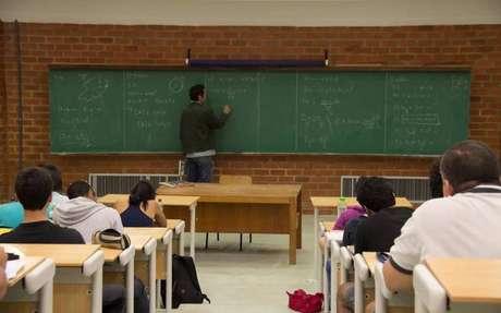 Segundo o Inep, os alunos que estão concluindo os cursos a distância avaliados 'estão com os mesmos resultados que os alunos presenciais'