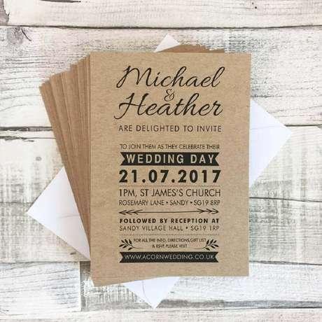 30. Ideia de convite simples de casamento com papel rústico – Foto: Not on the high street
