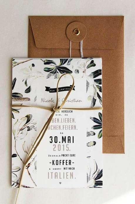 36. Convite simples de casamento com detalhes em couro – Foto: Pinterest