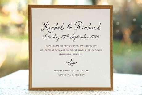 44. Nos modelos clássicos de convite de casamento simples e barato a caligrafia faz a grande diferença – Foto: Ivy Ellen Wedding Invitations