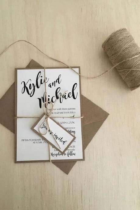 47. Modelo de convite de casamento simples com laço de barbante para enfeitar – Foto: Pinterest