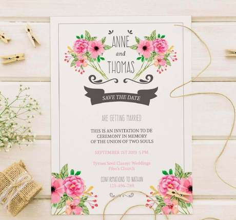 65. Estampa floral é perfeito para um modelo bem romântico e delicado de convite de casamento simples e barato – Foto: Pinterest